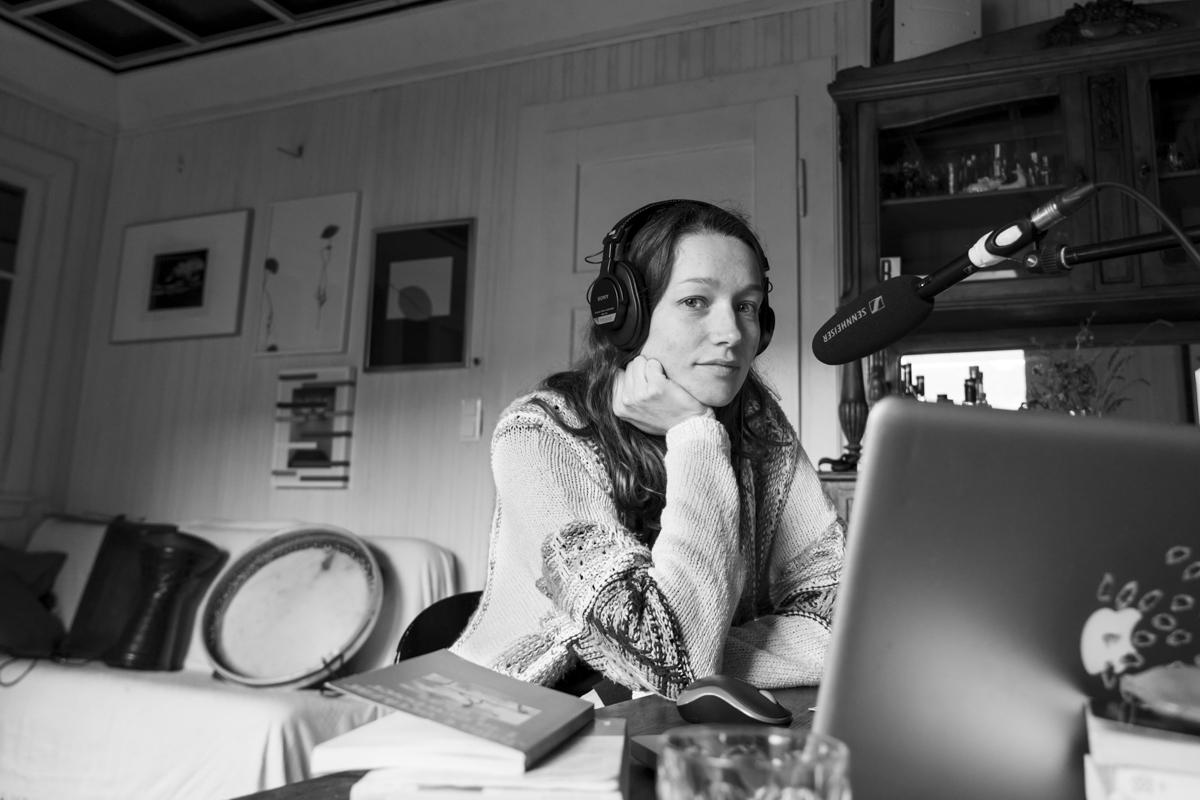 Ute Seitz moderiert Radiosendung